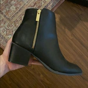 Lulus Black Leather Ankle Boots Size 8